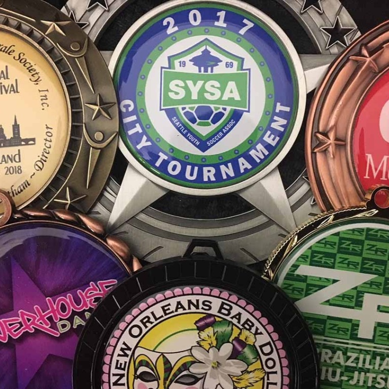 Award Medals Trophies Plaques | Expressmedals com